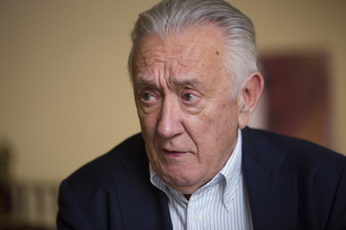 Nagyvonalú gesztust gyakorolt a kormányfő: jelezte a beteg Kovács László feleségének, szóljanak neki, ha bármire szükségük van a gyógyuláshoz