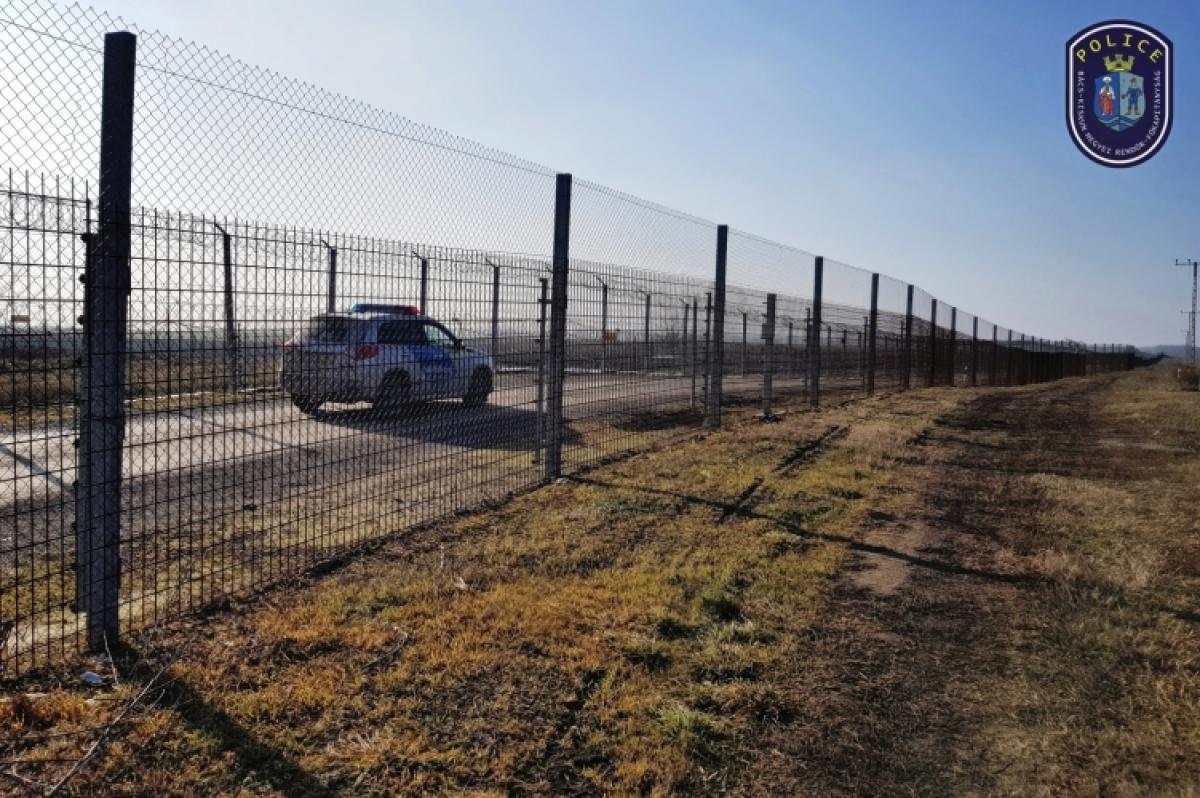 Újabb elfogás: Szinte konvojban érkeznek a MigránsTaxik
