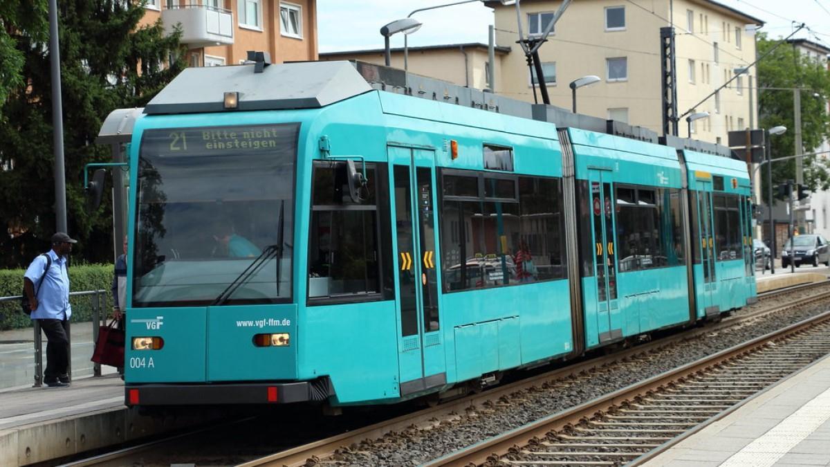 A BKV már azt mondja, költségeket lehetne megspórolni azzal, ha nem klimatizálnák a levetett frankfurti villamosokat