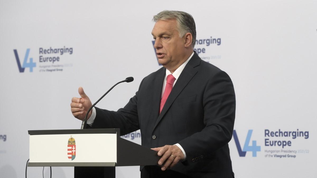 Orbán: Magyarország érzékeli az Ázsia felől a Balkánon keresztül egyre növekvő nyomást a szerb-magyar határon