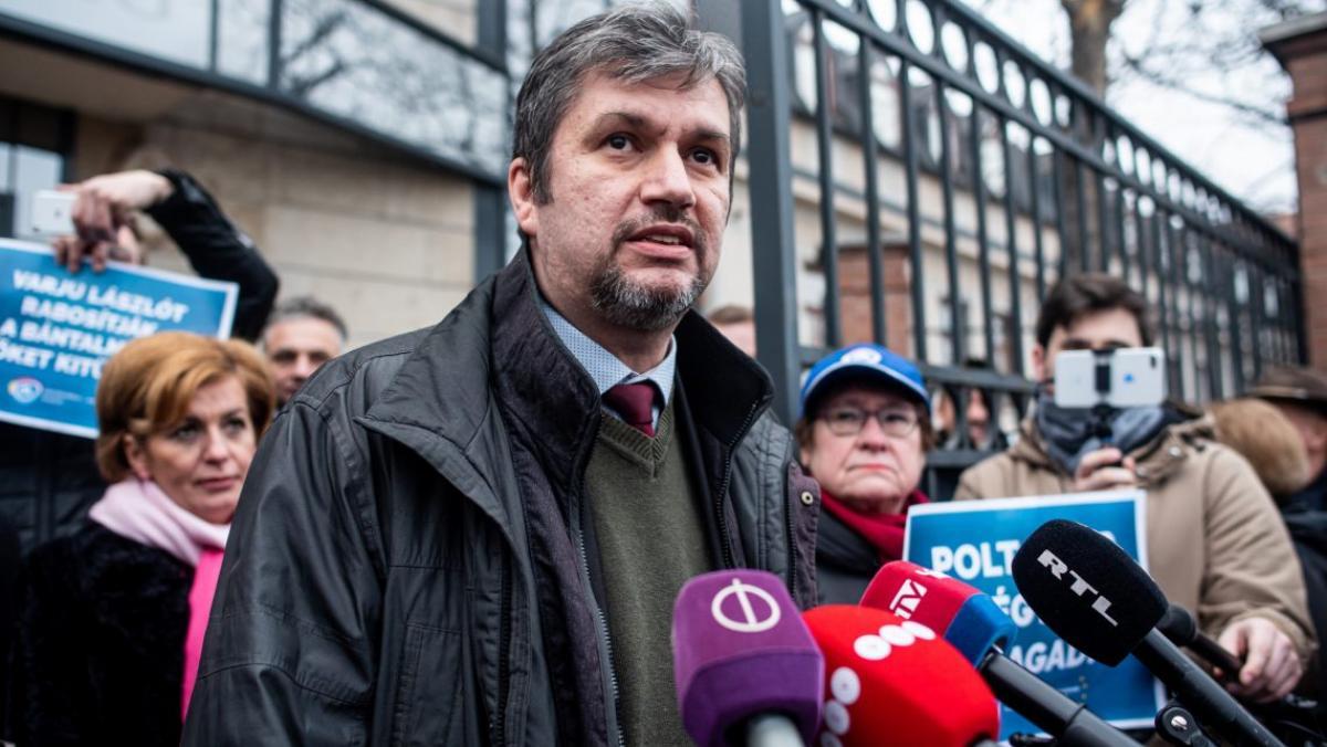 Lófejjel üzengetés Zuglóban: Hadházy nem felelős
