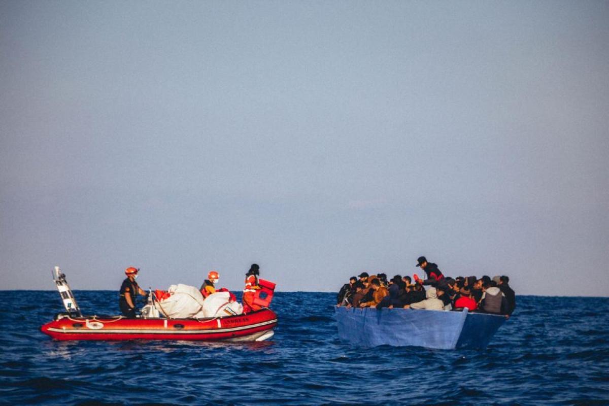 Újra felpörgött a MigránsTAXI - májusban eddig 400 illegális migránst vett fel a Sea-Eye 4 hajó a Földközi-tengeren