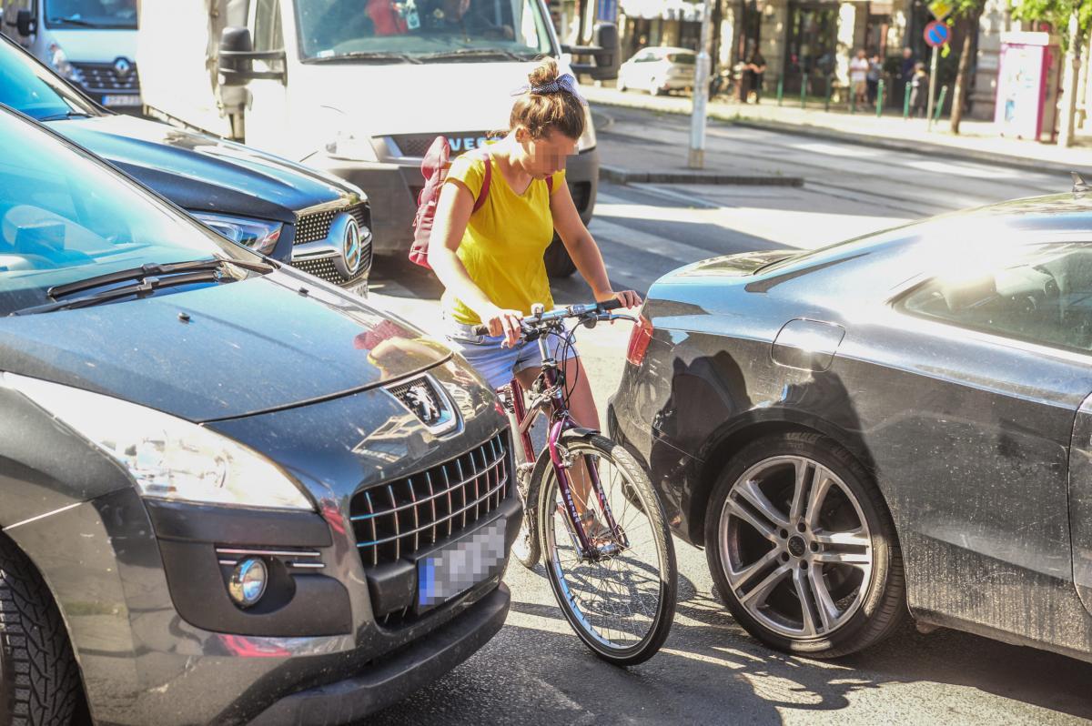 Karácsony a bicikliseket akarta helyzetbe hozni, de életveszélybe sodorja őket