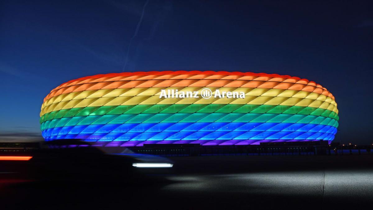 Hivatalos: az UEFA megtiltotta a szivárványos fényfestést a müncheni arénában