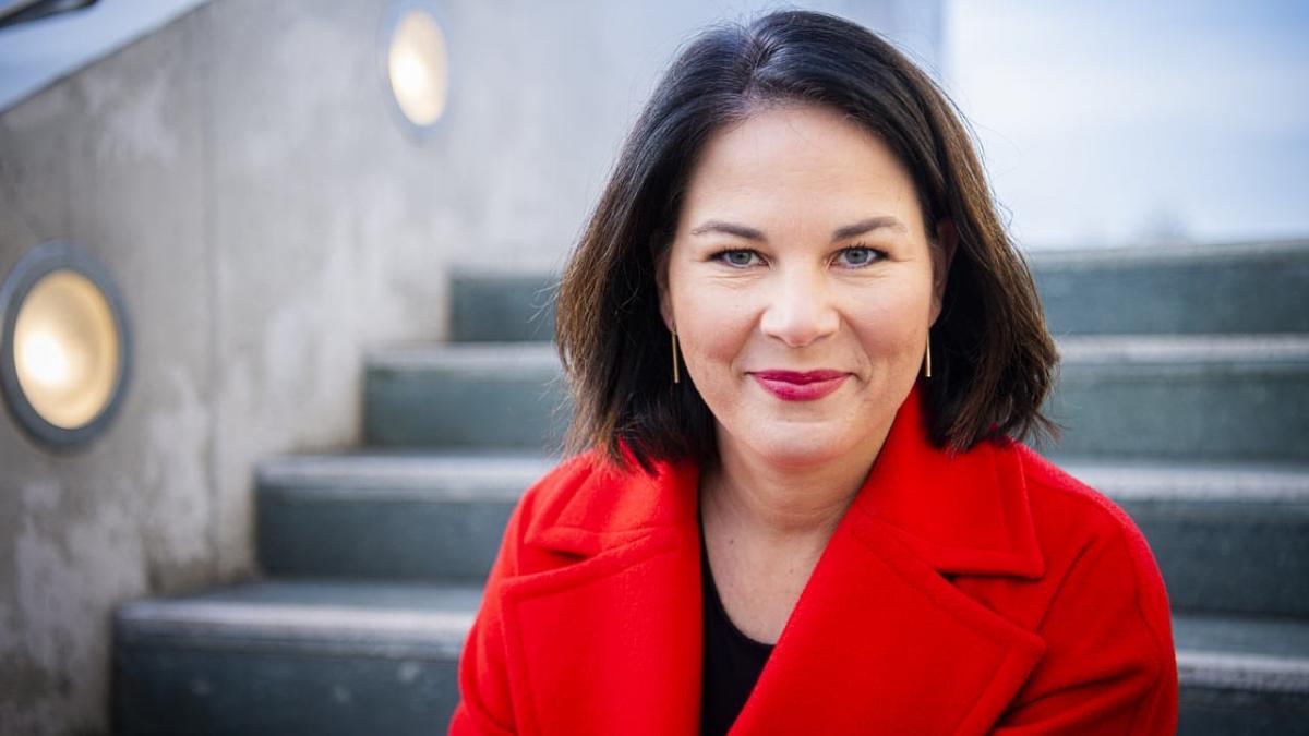 Annalena Baerbock, a zöldek kancellár-jelöltje a német Karácsony: magyarázkodott, majd péntek estére törölte önéletrajzából a hazugságokat