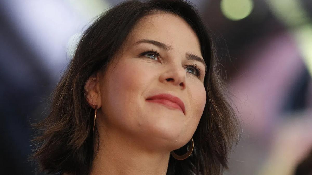 Hivatalos: 98,5%-os eredménnyel Annalena Baerbock a német Zöldek kancellár-jelöltje