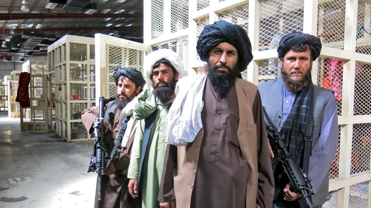 """Több száz """"kompetens"""" és elkötelezett terroristát engedtek szabadon a tálibok Kabulban"""