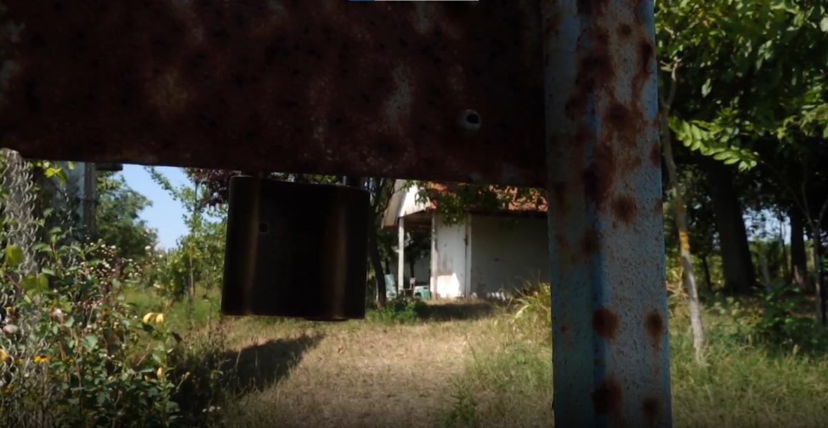 Megtalálták a kertet, ahol a gyulai pedofil jobbikos inzultálta a gyerekeket