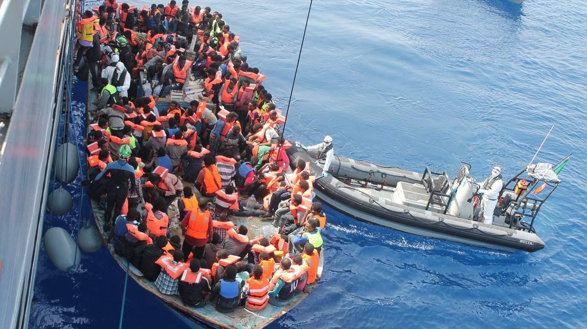 Ezért veszélyes az illegális migráció: 10 illegálisból csak kettőt tud visszatoloncolni az EU