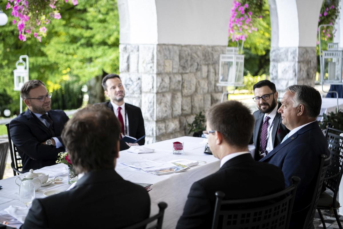 Orbán: a vezetőknek fel kell ismerniük, hogyan fog kinézni a jövőnk, milyen eszközök állnak rendelkezésre a kihívások kezelésére