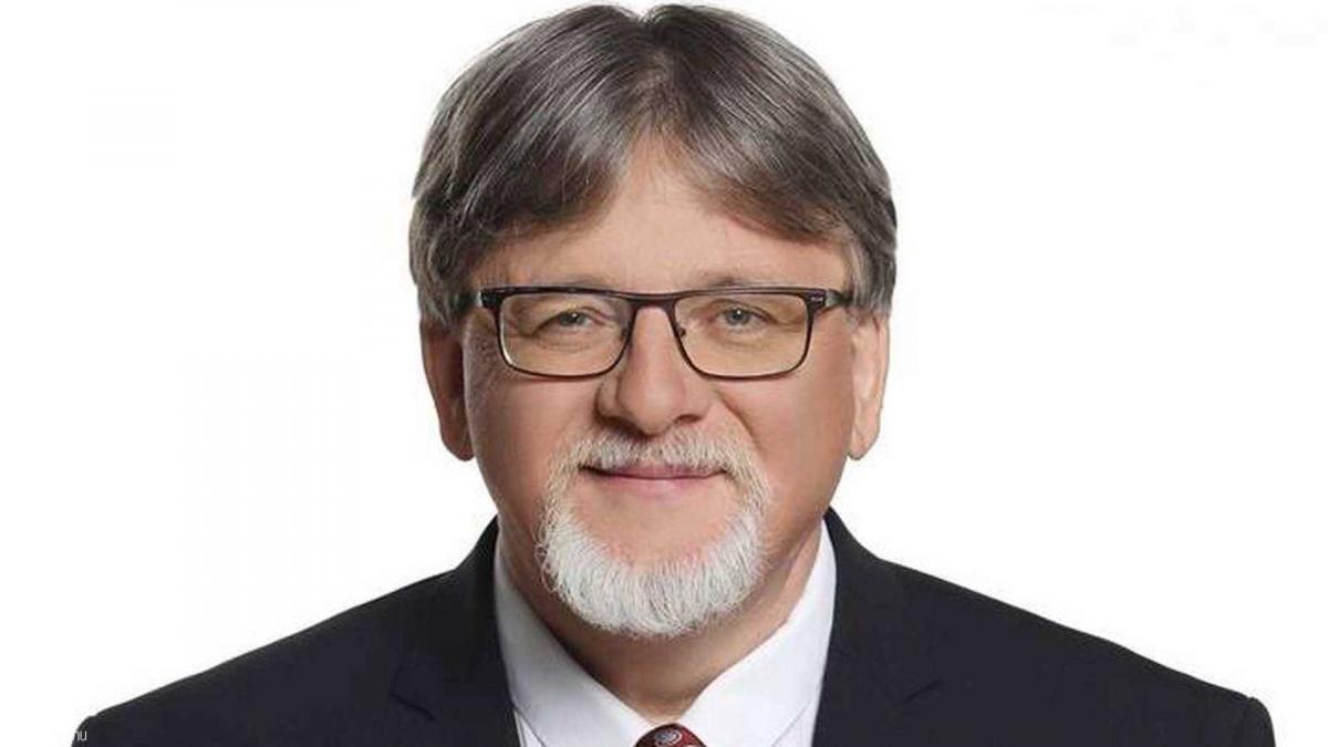 Győr polgármestere, az elismert szívspecialista visszaszólt a fedésben újságírót alakító provokátornak