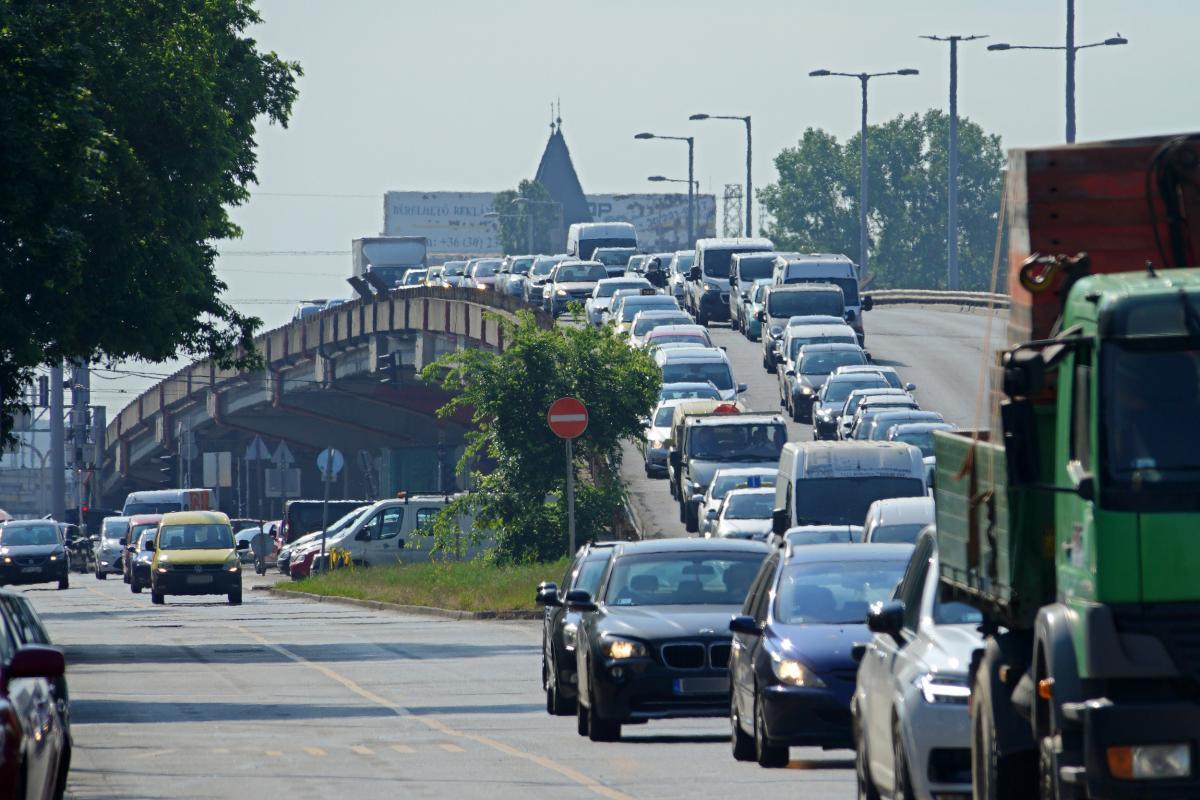 Kibújt a szög a zsákból: a DK-s képviselőjelölt kiszorítaná Budapestről az autósokat | BENNFENTES