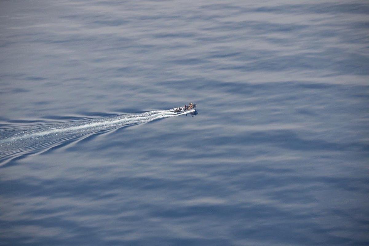 """MIGRÁNSTAXI: a """"Geo Barents"""" hajó 410 csónakos migránssal a fedélzetén kikötőt keres"""