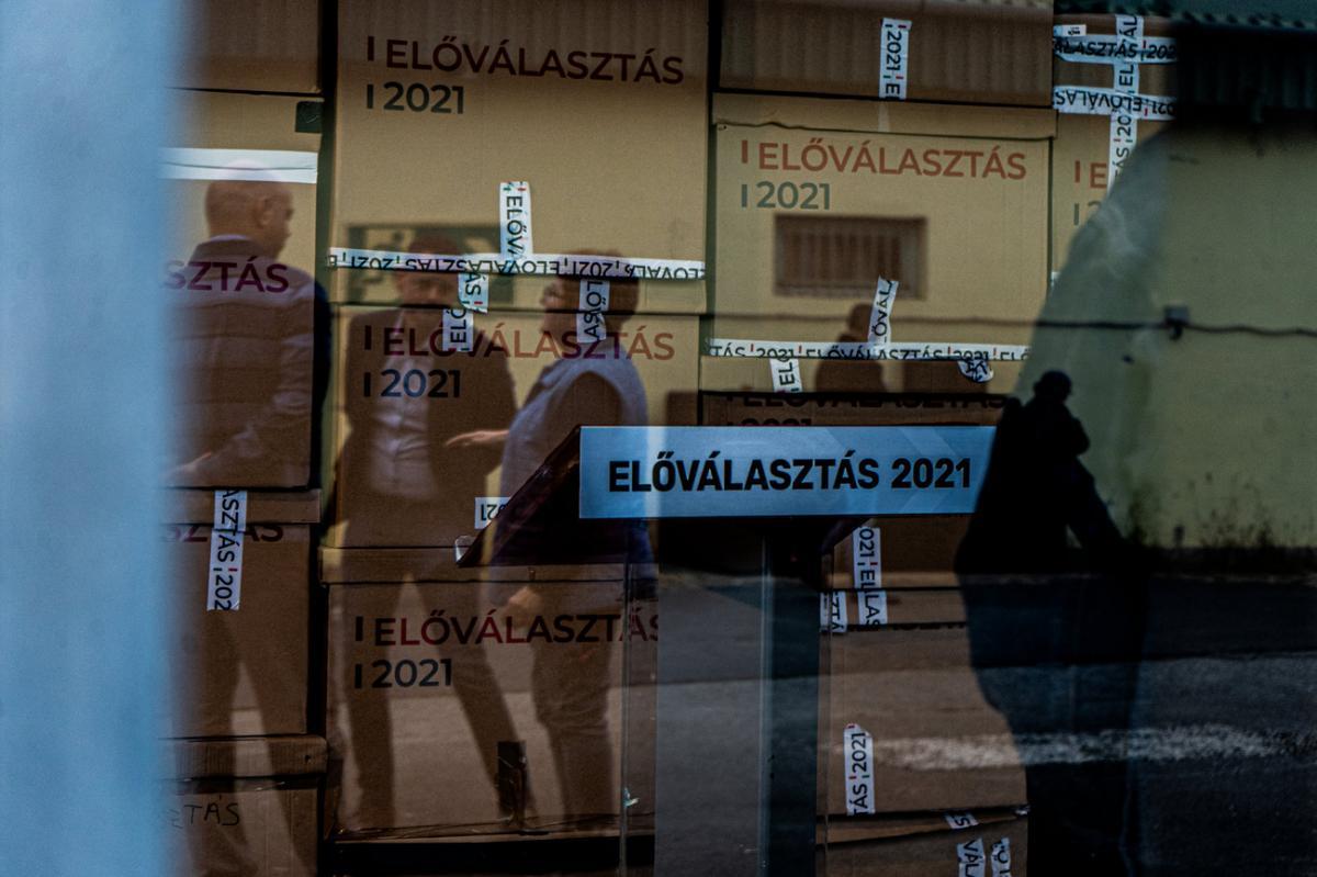 Bemondásra megy: a Kontra újságírói két előválasztási sátornál is szavazhattak azonosítás nélkül
