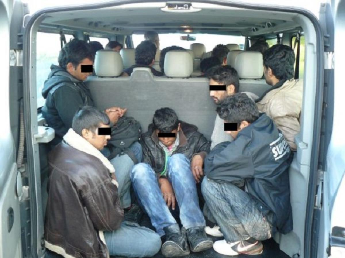 Elfogták a magyar embercsempész banda tagjait