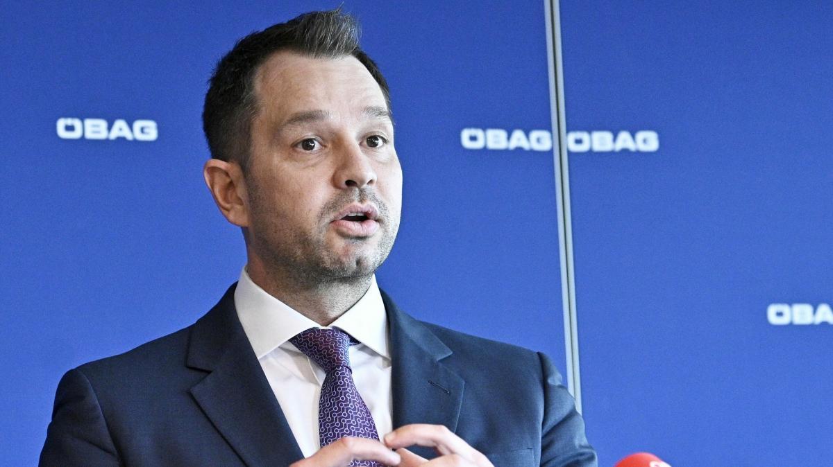 """Kurz az osztrák vagyonkezelő elnökének: """"Úgyis mindent megkapsz, amit akarsz"""" - kedden reggel a vagyonkezelő elnöke lemondott tisztségéről"""