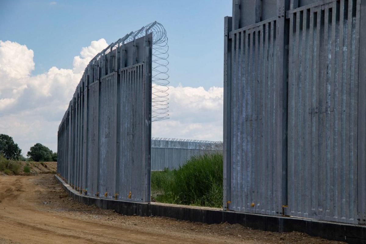 A görög kormány határkerítést épít a görög-török határon, az Evros folyó mentén