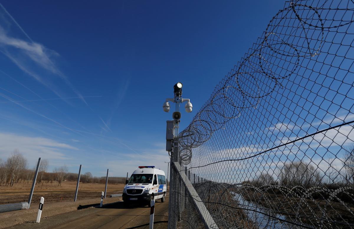 Dagad az álprobléma: múlt héten az ország területén 1403 határsértőt tartóztattak föl