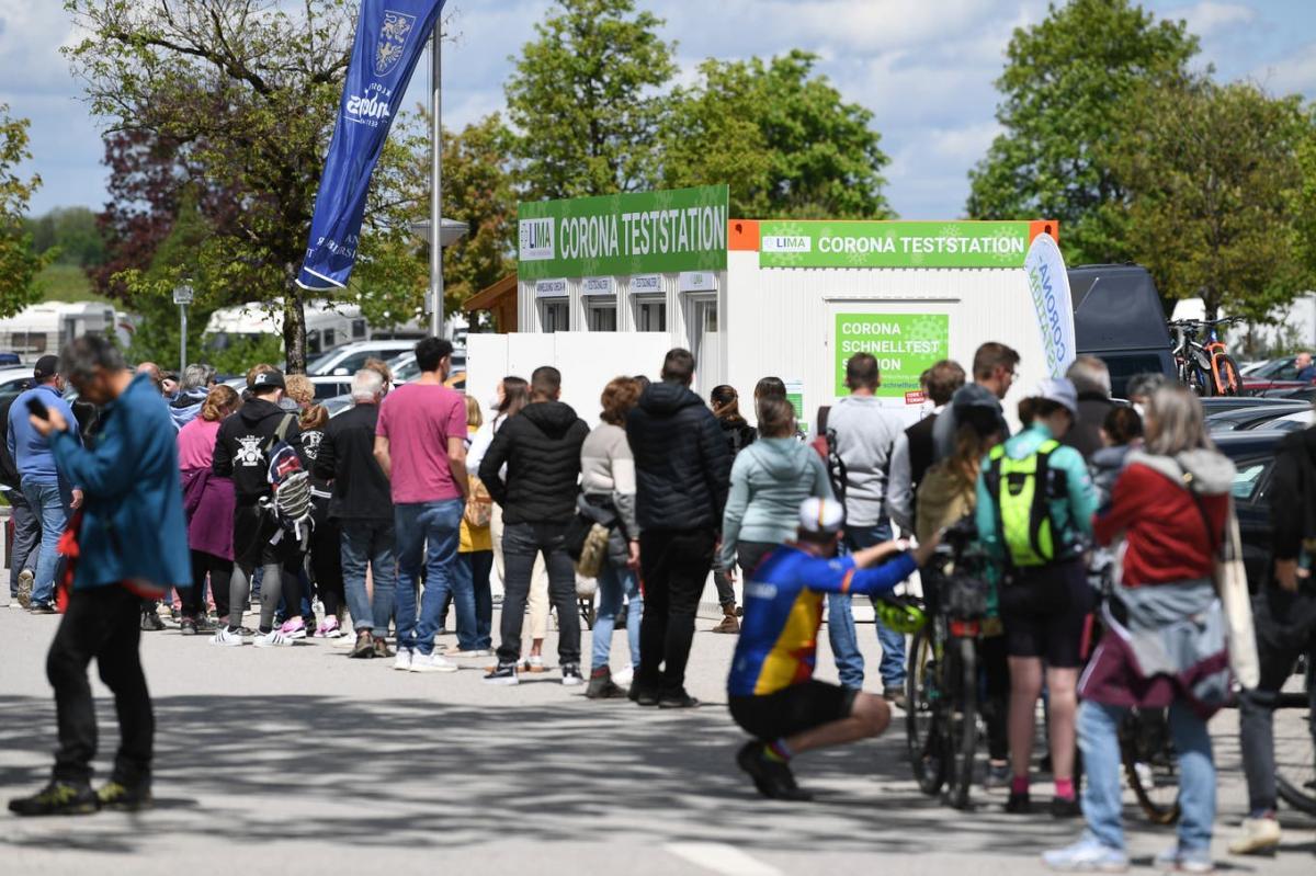 Koronateszt-csalás Németországban - csak áprilisban 700 millió eurót fizetett ki tesztekre a szövetségi kormány - túlszámlázás, valamint gyanúsan alacsony esetszámok a kiszervezett tesztközpontokban