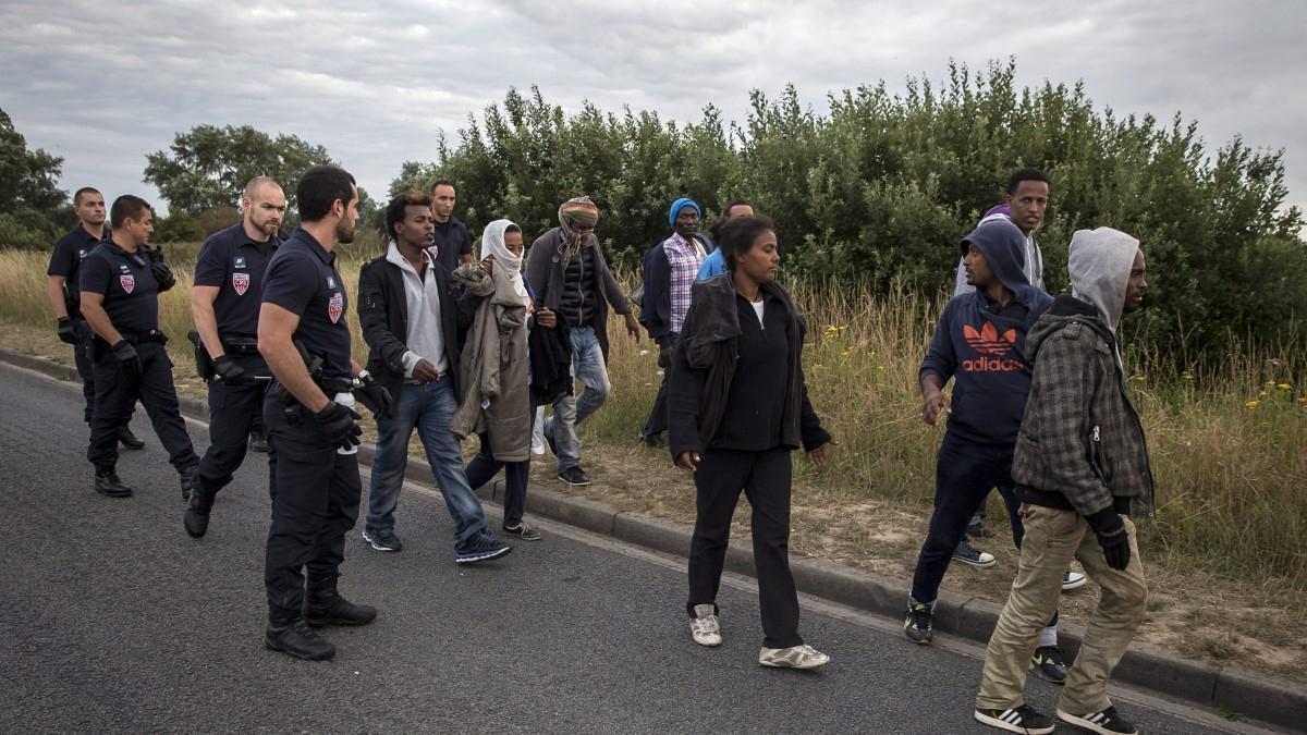 Mindenhol nő a migrációs nyomás: új rekord született a La Manche-csatornán