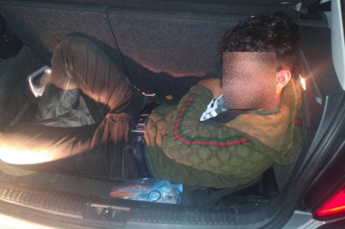 Holland embercsempész-fogás az M1-es autópályán