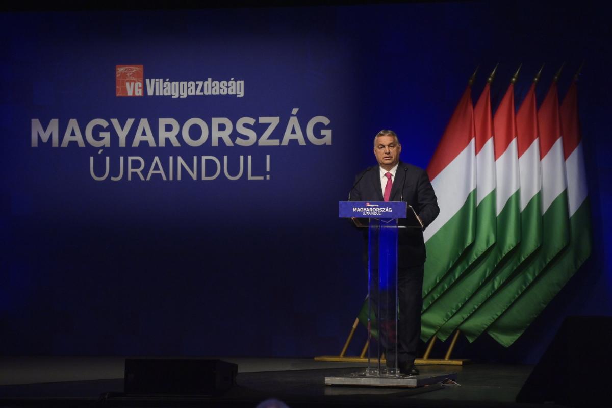 Sosem látott gazdaságpolitikai lépést jelentett be Orbán Viktor: visszakaphatják a 2021-es SZJA-t a gyermekeket nevelő családok