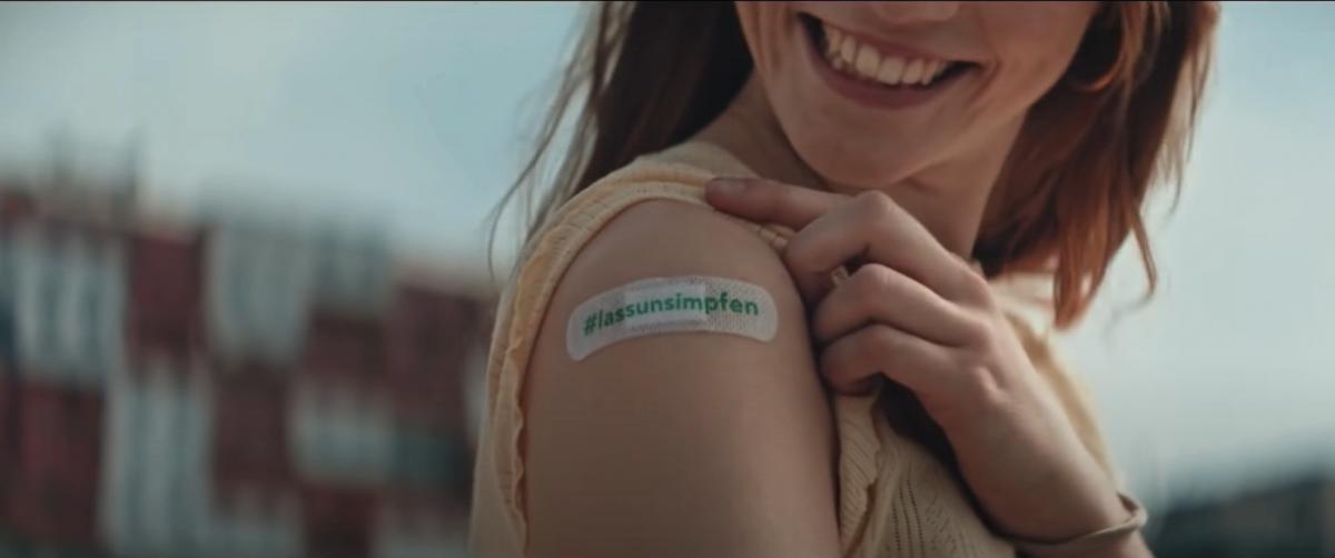 Ausztria: 950 000 eurót fizetett az egészségbiztosító egy 21 másodperces reklámfilmért, amely az oltást népszerűsíti
