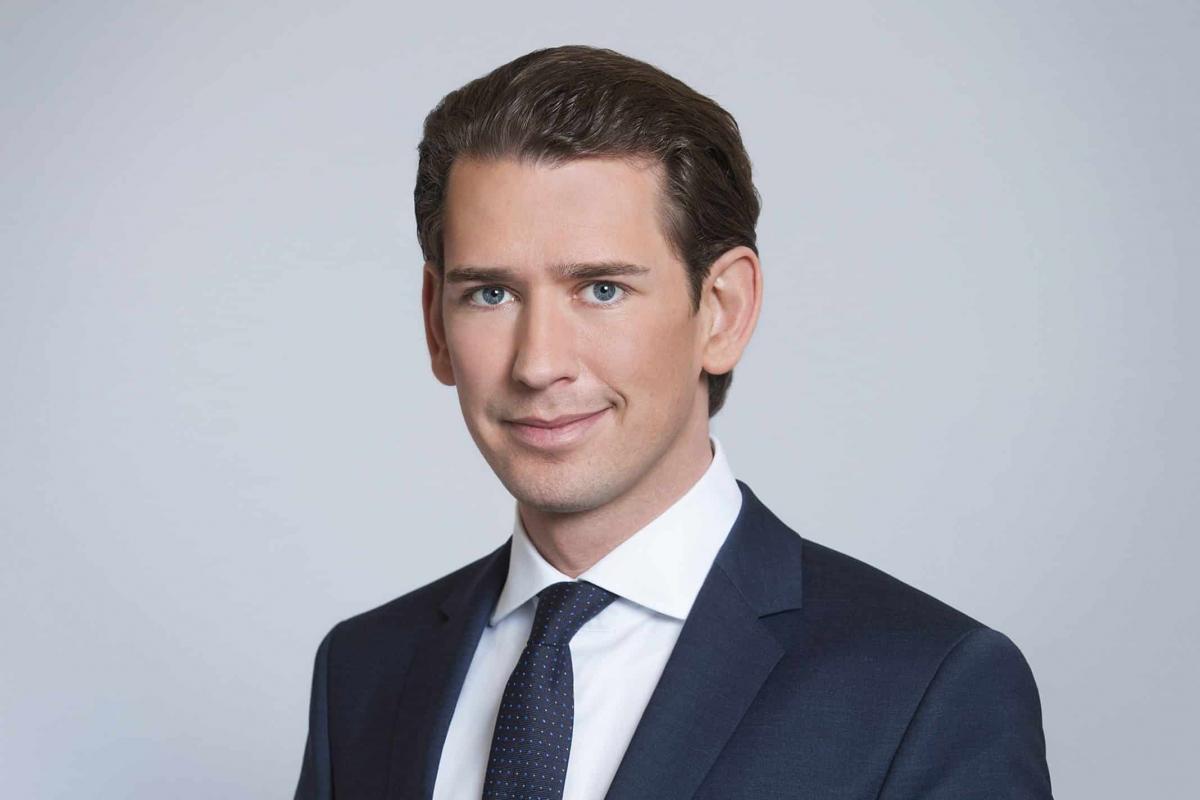 Ausztria: csak július 1-el nyithatnak az éjszakai éttermek és bárok, és akkortól nem kell majd FFP2 maszk sem