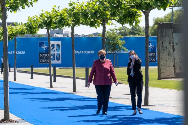 A józan ész hangja: fontos, hogy a NATO fenntartsa a politikai párbeszéd lehetőségét Kínával és Oroszországgal