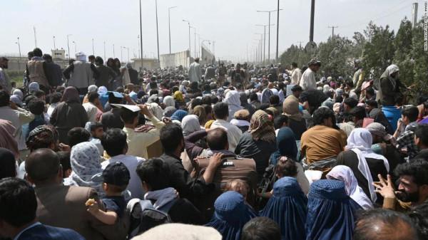 Újabb tűzharc a kabuli reptéren, egy halott