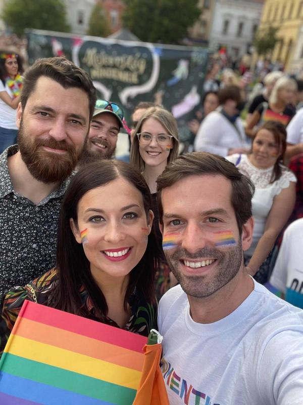 Fekete-Győr a pécsi Prideon ismét hitet tett az azonos neműek örökbefogadása mellett