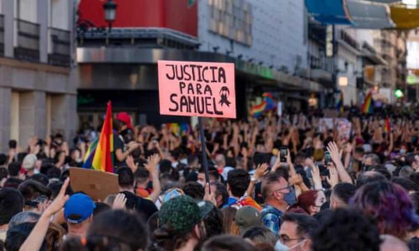 A 444 elhallgatja, hogy afrikai migránsok verték agyon szombaton a spanyol Pride egyik résztvevőjét