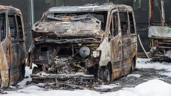 8 rendőrautót gyújtottak fel Molotov-koktéllal Brémában