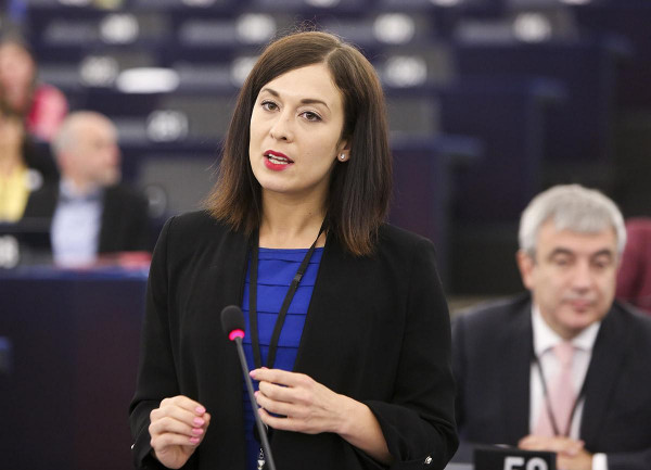 Jogorvoslati eljárást kezdeményezett a Közbeszerzési Hatóság Cseh Katalinék ügyében