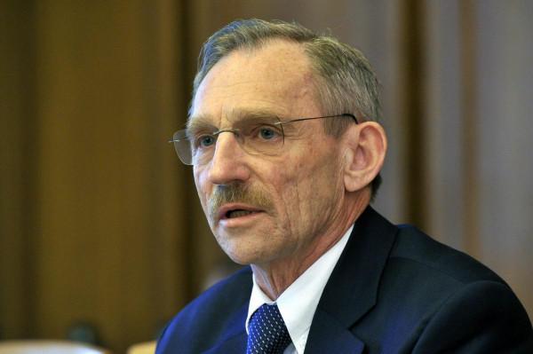 Pintér: 2010 május 29. óta a magyar nemzetbiztonsági szolgálatok illegális megfigyelést nem folytattak és nem folytatnak