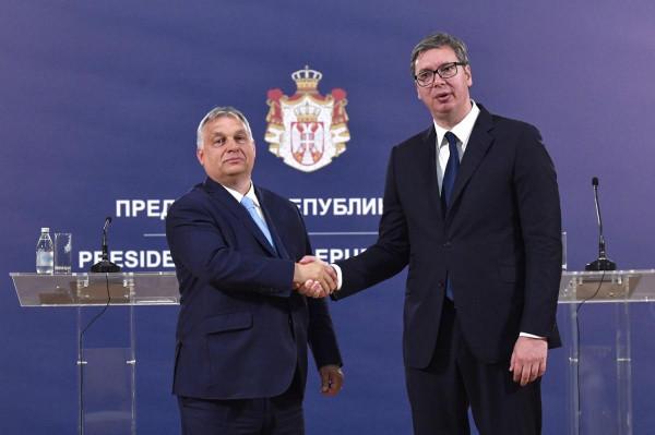 Orbán: Szerbiát az Unióba!