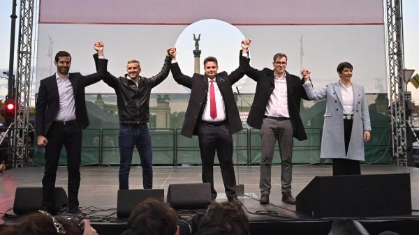 Félmillió, a Békemeneten részt vevő magyart sértegetett Márki-Zay