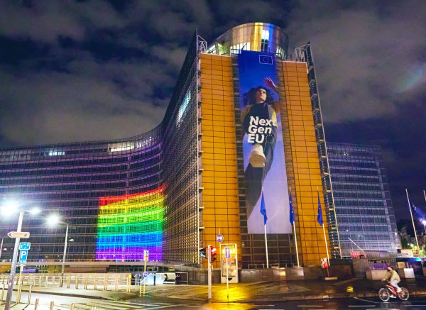 Mivel is foglalkozhatna Brüsszel a világjárvány és egy gazdasági visszaesés kellős közepén, ha nem az LMBTQ+ jogokkal?