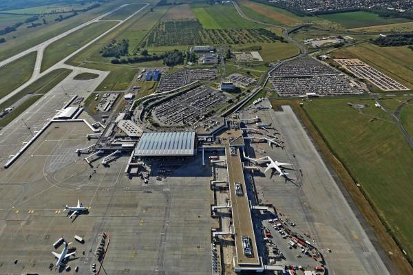 Orbán: bármelyik pillanatban visszavásárolhatja az állam a repteret