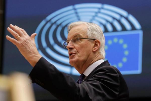 """Michel Barnier: """"Vannak összefüggések [a bevándorlási hullámok] és a terrorista hálózatok között, amelyek megpróbálnak beszivárogni"""" - a francia elnökválasztás kampányának középpontjában visszavonhatatlanul az illegális migráció áll"""