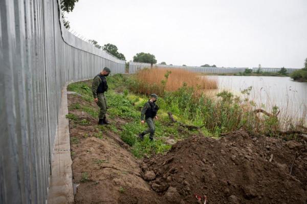 Görögország kerítést emel a török határon az afgán menekültek várhatóan megnövekvő száma miatt