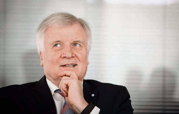 A német belügyminiszter önzéssel vádolja Ausztriát