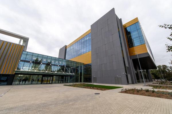 Új konferenciaközpontot adtak át Budapesten, a HungExpo területén
