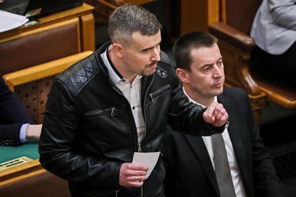 """Sneider Tamás: a Jobbik-DK alku """"üzletszerű politika"""""""