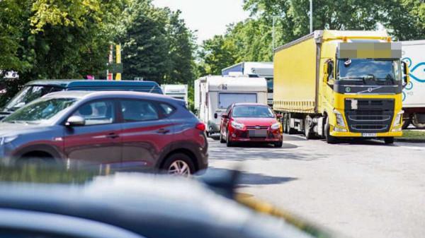 Nappal sétált Münchenben a 23 éves lány, a török kamionsofőr berántotta a fülkébe és megerőszakolta