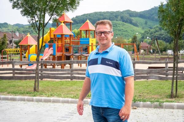 A DK felzabálja az MSZP-t: most Kazincbarcika alpolgármestere váltott pártot