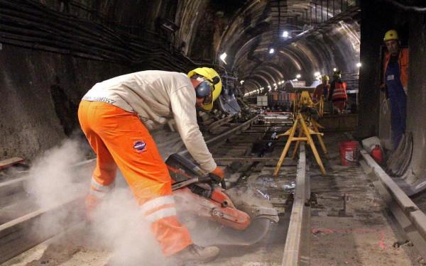 Mint az M4-es metrónál: egyre csak kúszik fel az M3 felújításának ára