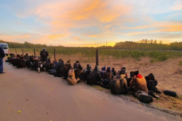 62 illegális migránst fogtak el egy 700 fős kisvárosban