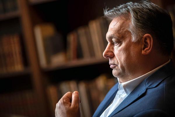 Helmuth Kohl Orbánnak: a magyar választók választották meg Önt, az Ön felelőssége főleg Magyarországért áll fönn, és ne hagyja, hogy ebben bárki korlátozza