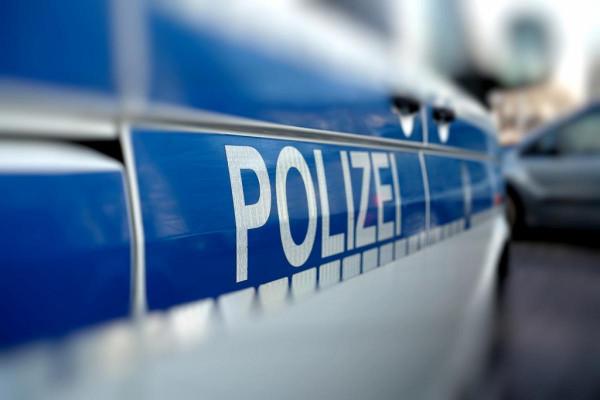 Gyilkosság Kölnben: halott milliomost találtak a házban, az áldozat örökbefogadott fiát letartóztatták